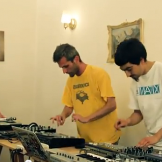 PAD TRIO /// RAW SESSIONS – Live-Act der coolen Art
