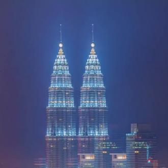 Kuala Lumpur timelapsed bei Tag & Nacht