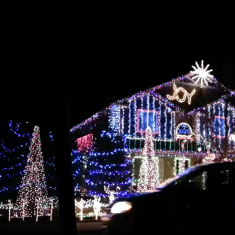 Weihnachtshausbeleuchtungsshow auf Dubstep